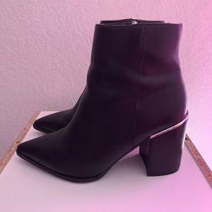 Black Pointed-toe Booties